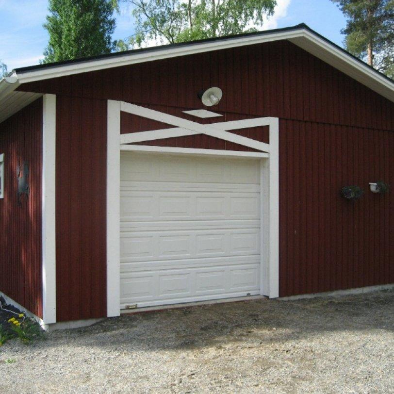 Garasje og stall