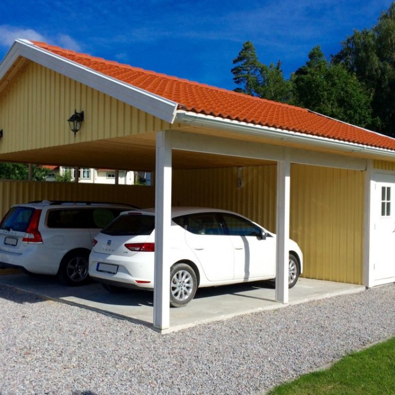Carport for to biler og med bod