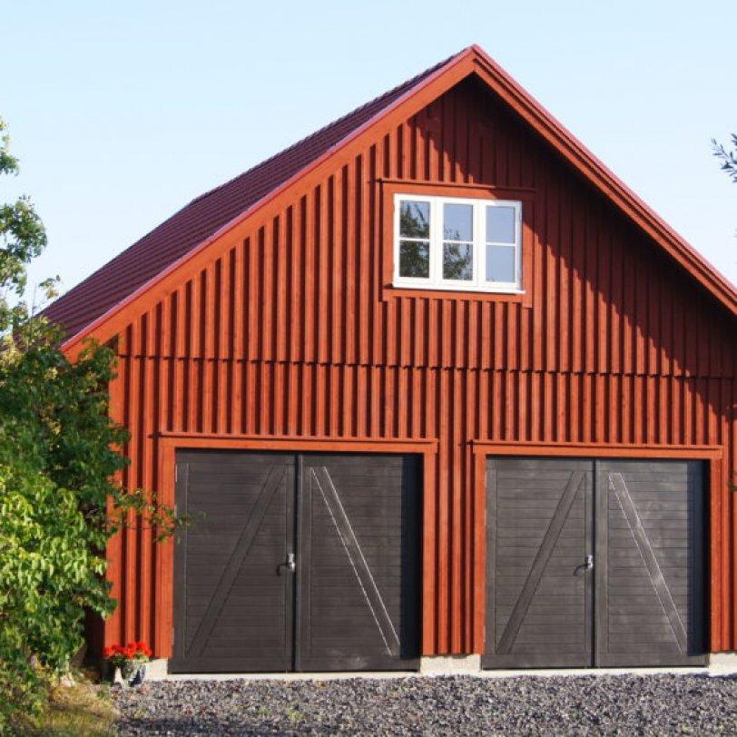Garasje med loft i vakre omgivelser